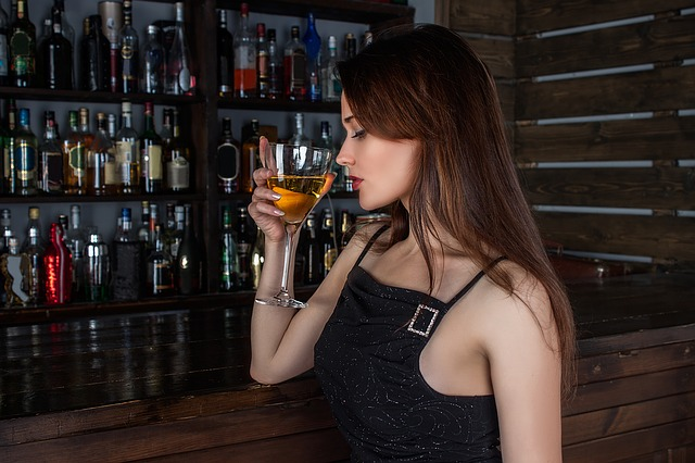 girl-and_alcohol